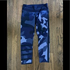 Athleta Sonar Capri Leggings